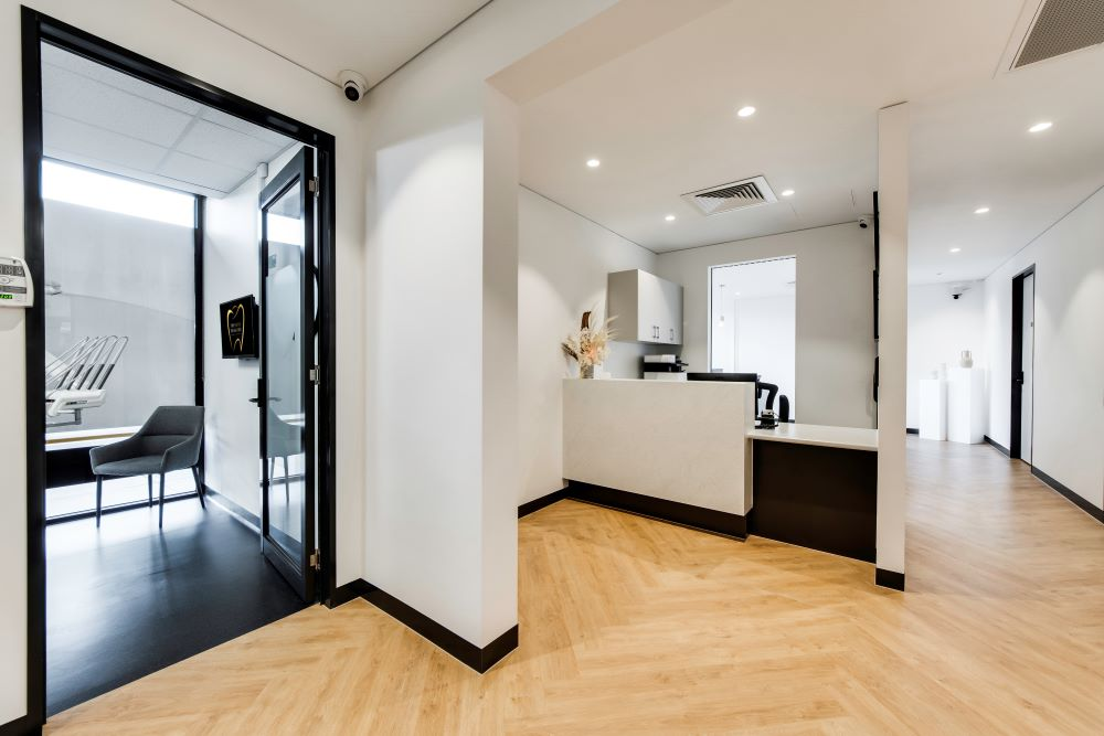OPTI065 - Smile Designer Dental Studio - 11