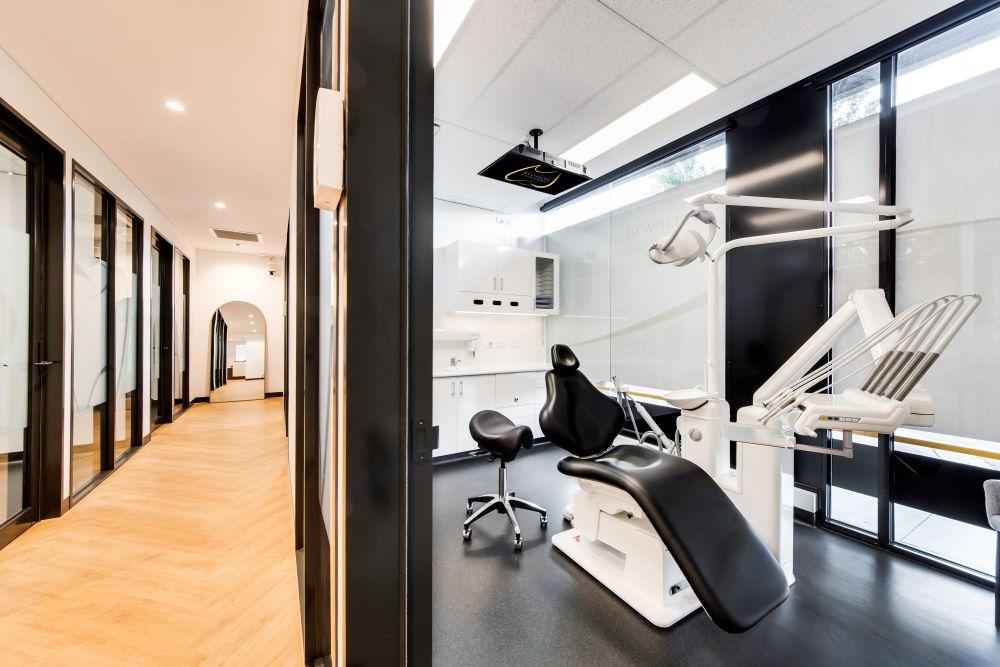 OPTI065 - Smile Designer Dental Studio - 14