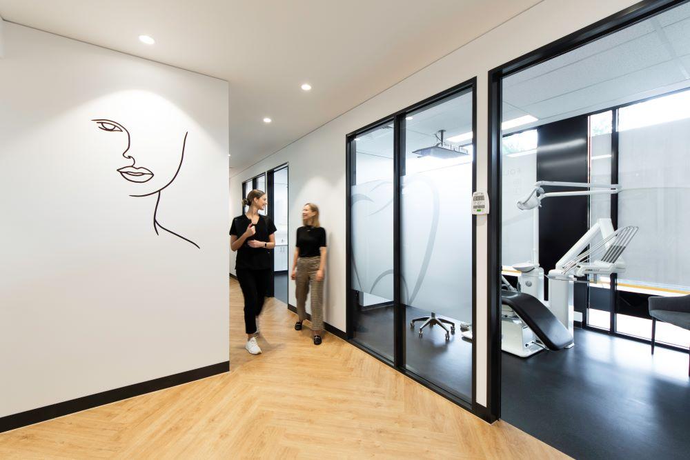 OPTI065 - Smile Designer Dental Studio - 23